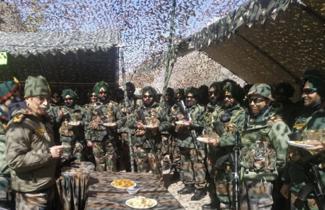 CHIEF OF ARMY STAFF VISITS SIACHEN AND EASTERN LADAKH