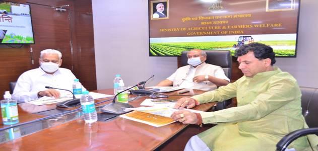Union Agriculture Minister launches 'मधुक्रान्तिपोर्टल' & 'Honey Corners'
