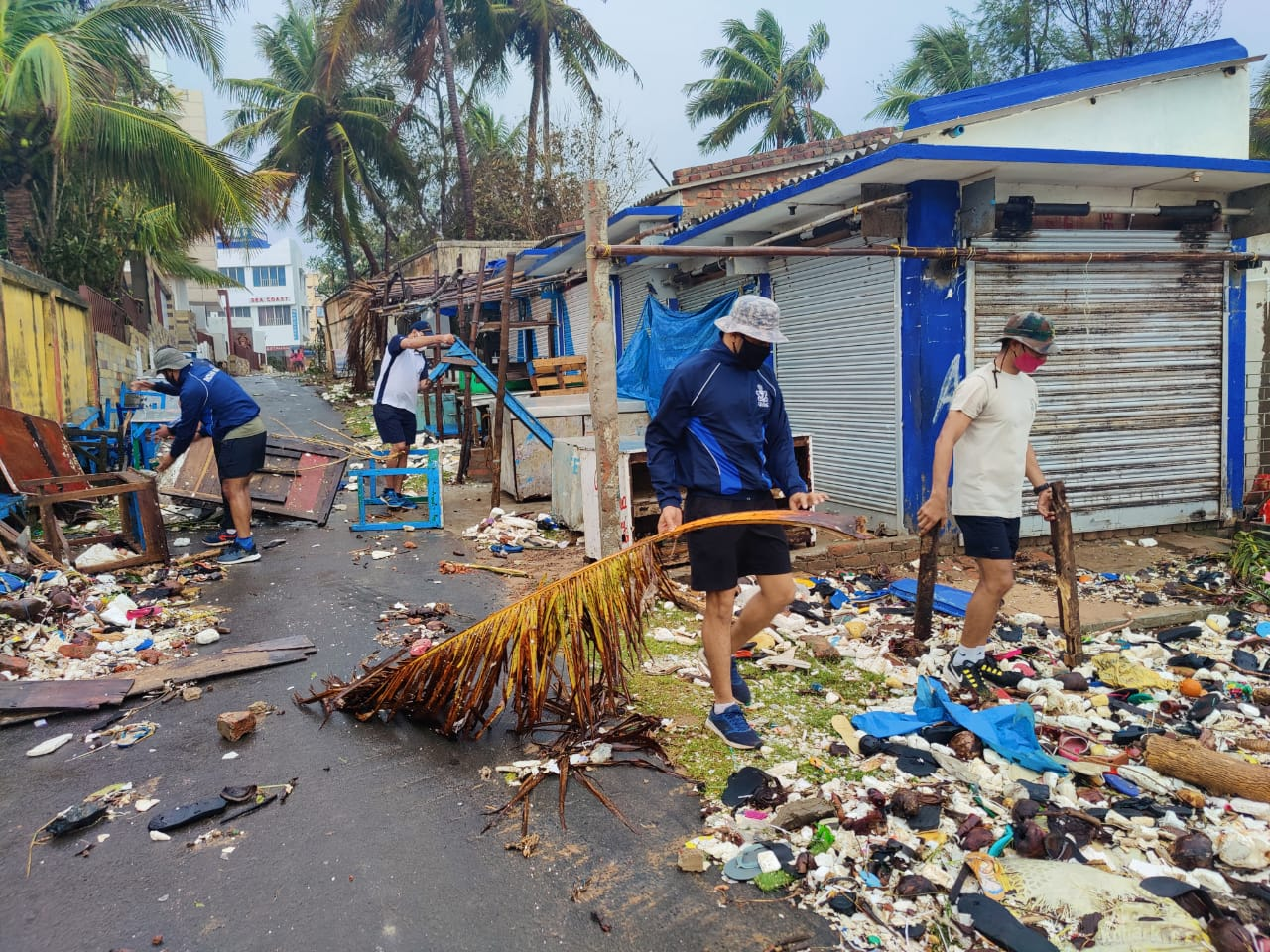Indian Navy Continue Relief Ops in West Bengal in aftermath of Cyclone Yaas