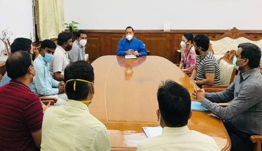 A delegation of Central Secretariat officials calls on Union Minister Dr. Jitendra Singh and discusses promotion and other service matters with him