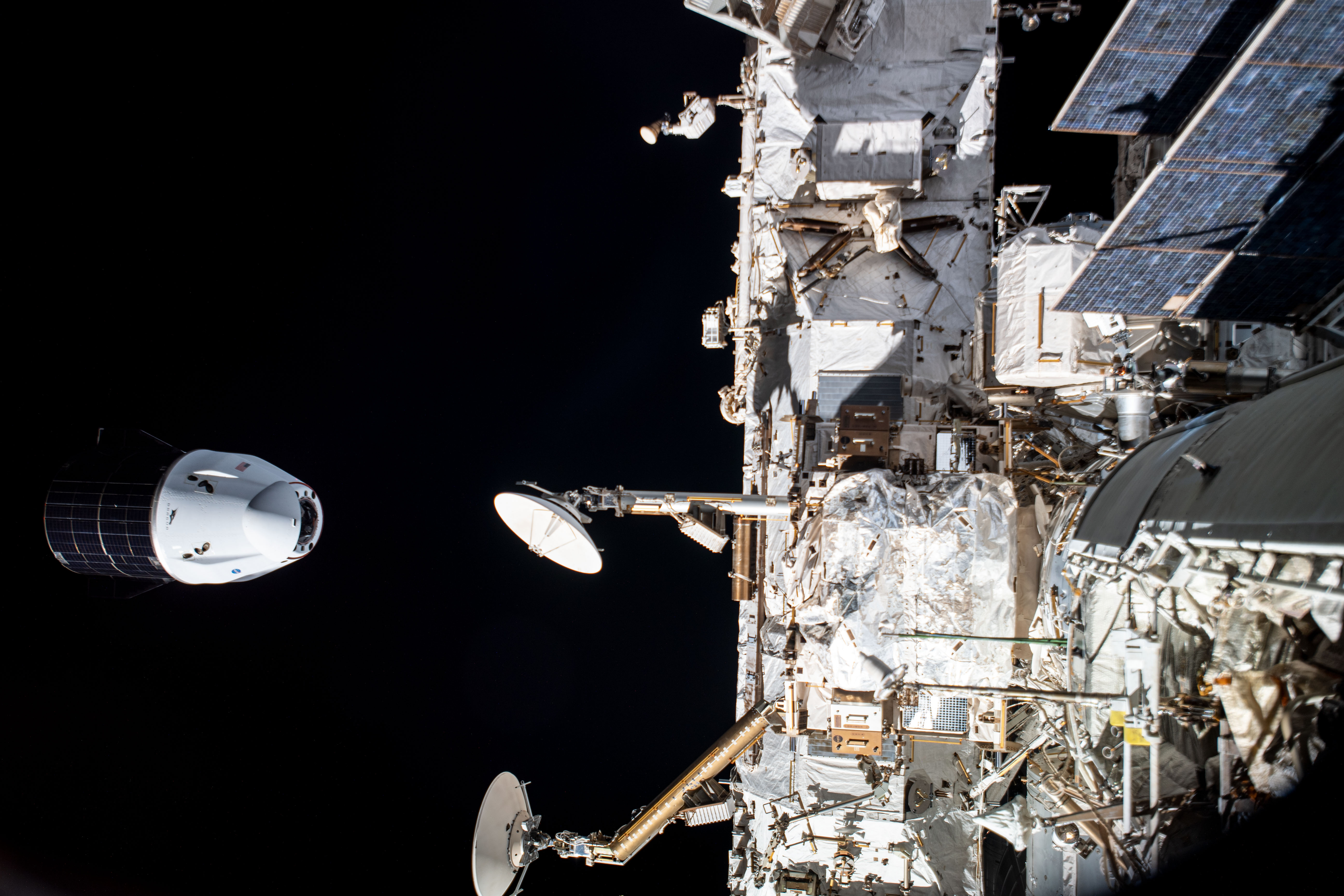 SpaceX Cargo Dragon Departs the Space Station