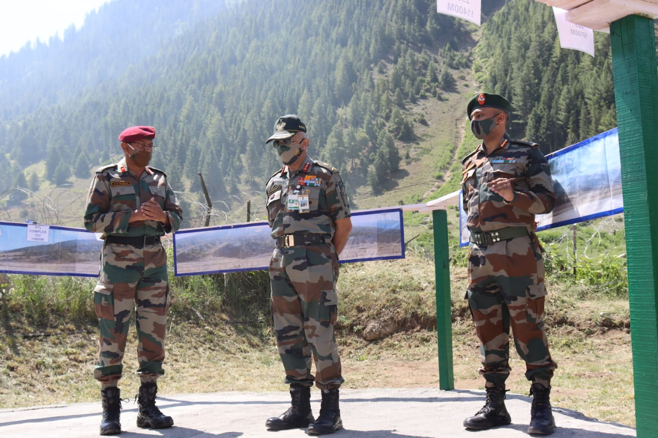 VICE CHIEF OF ARMY STAFF VISITS FORWARD AREAS IN NORTHERN COMMAND