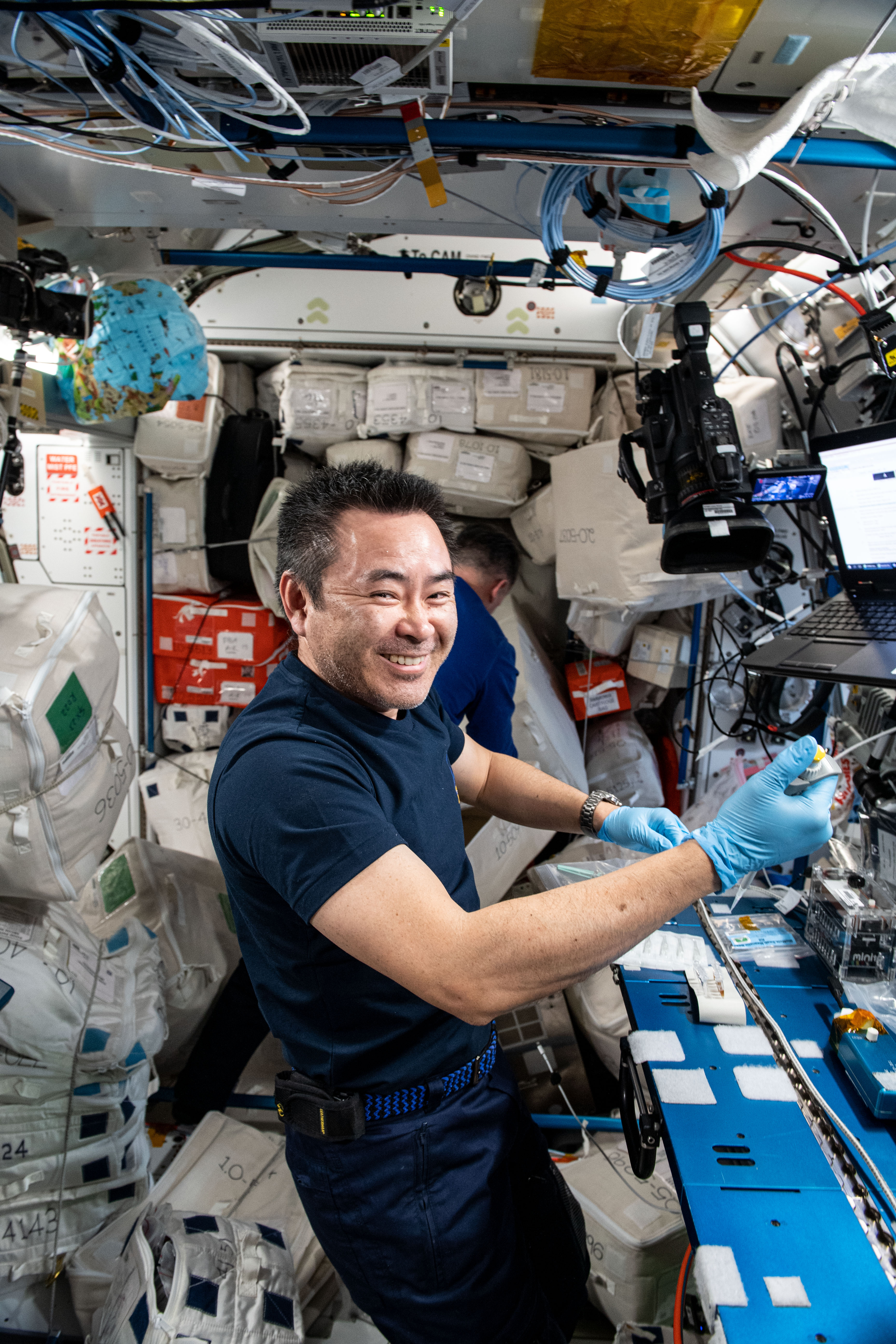 Astronaut Akihiko Hoshide Conducts DNA Sequencing Aboard Station