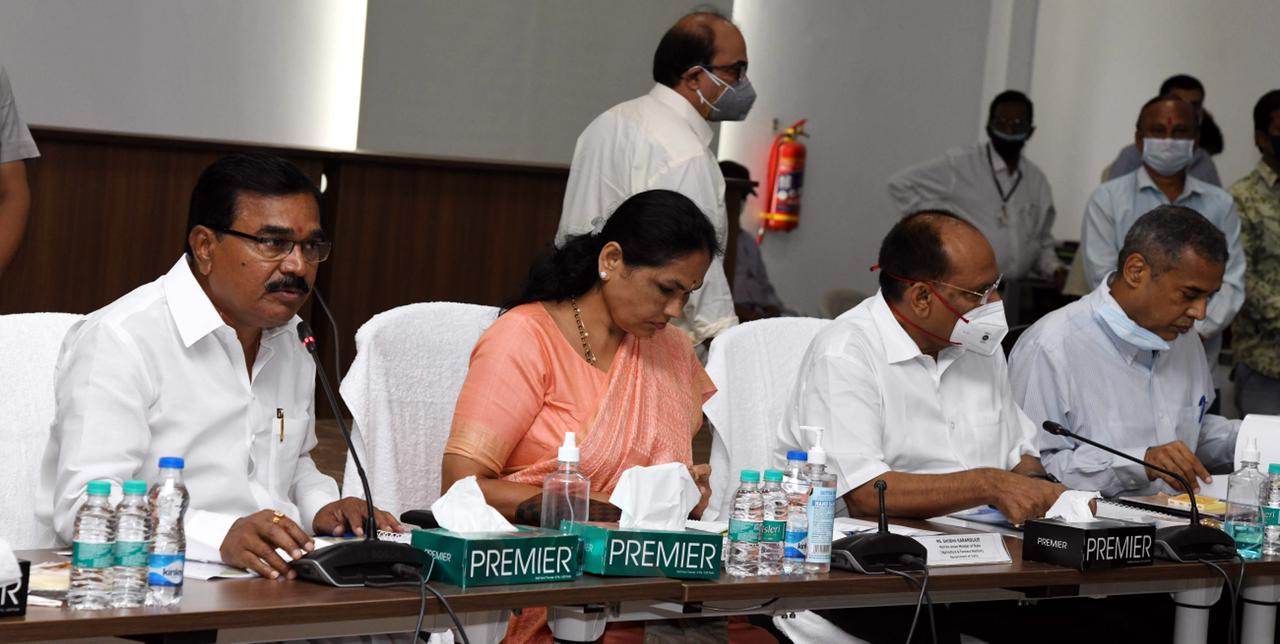 UNION MINISTER MS.SHOBHA KARANDLAJE REVIEWSIMPLEMENATION OF CENTRAL SCHEMES IN AGRICULTURE IN THE STATE of TELANGANA