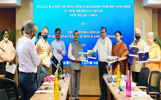 Union Minister Dr Jitendra Singh says, De-Silosation not only of work but also workplaces needed for better and cost-effective outcomes